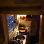 Maurits kookt in het Waterlandhuisje